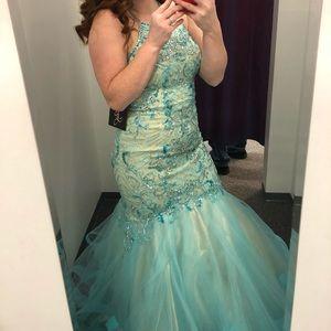 96d77b90b14 Dresses   Skirts - Teal and aqua mermaid prom dress